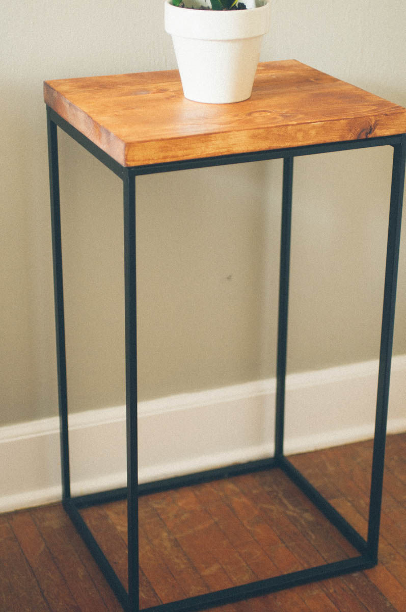 Awesome ikea hacks you 39 ll actually want to assemble rast for Ikea green side table